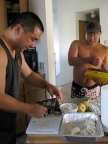 Thanksgiving musubi makers on Maui.