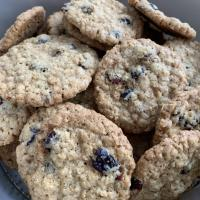 Only Easy: Cranberry Oatmeal Cookies